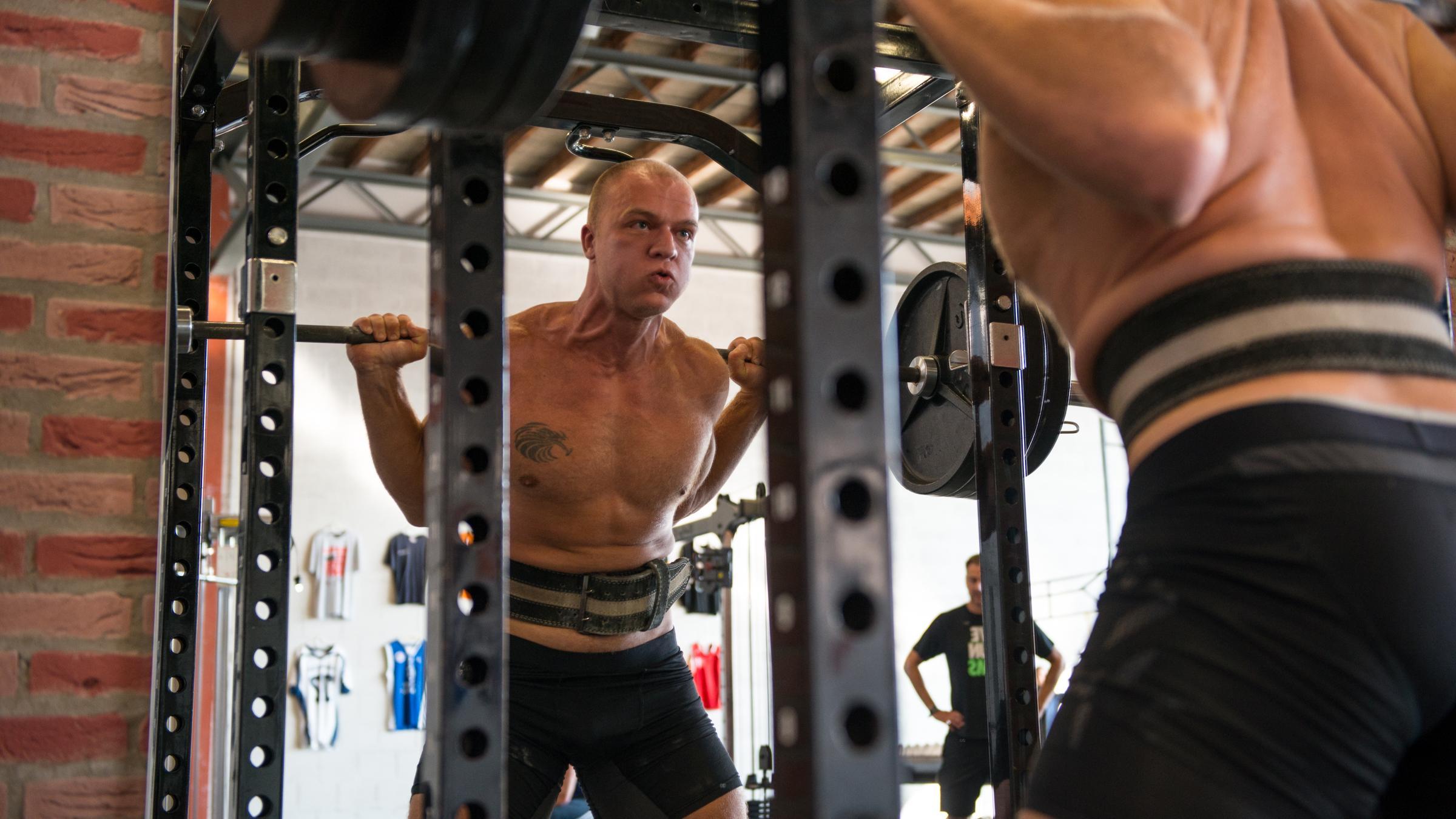 Daniel-heavy-squat